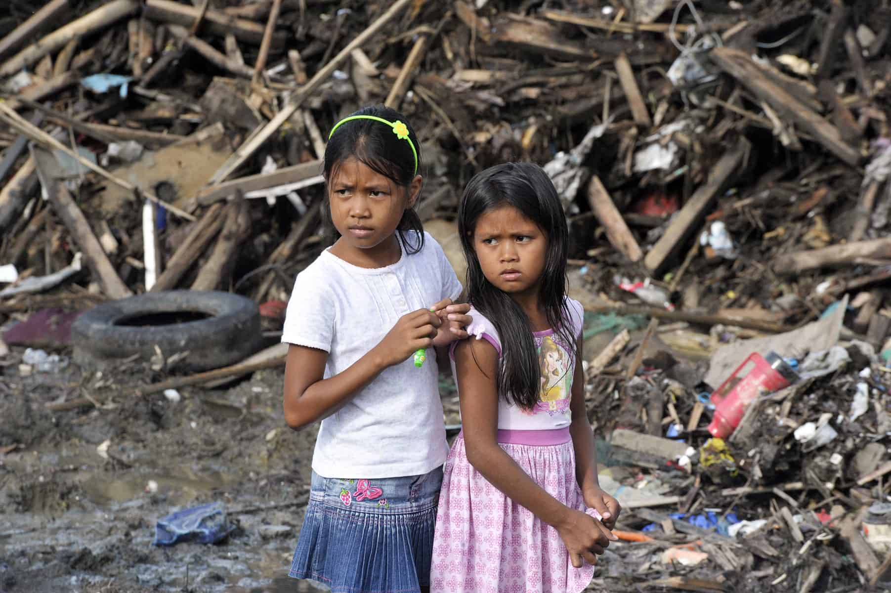 Survivors of Super Typhoon Yolanda in Tacloban City, Philippines, 2013. (cc) UN Photo/Evan Schneider